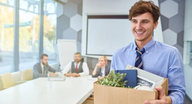 Как перевести сотрудника на самозанятость
